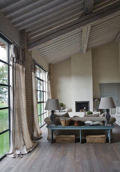 Idees De Peintures Bois Pour L Interieur White Deco Maison Poutre Plafonds Et Renovation Maison