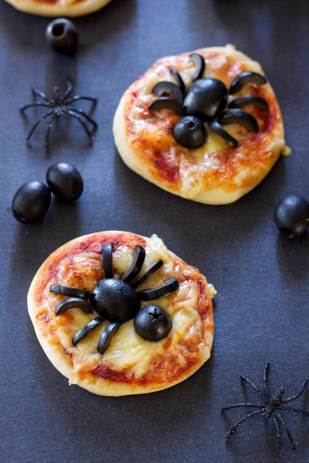 24 Super Cute Halloween Party Snacks to Get You Munching | Spider ...