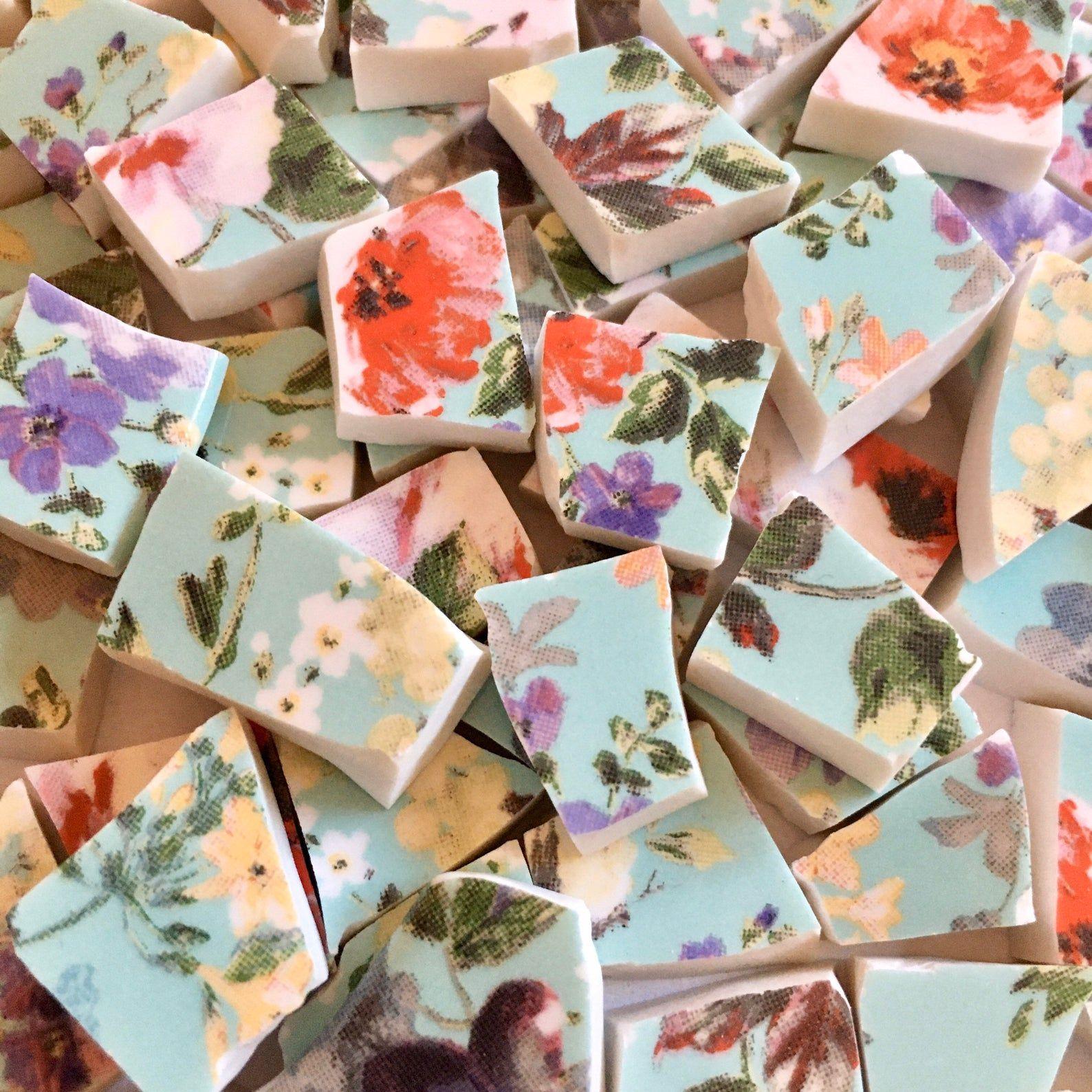 "65 BROKEN CHINA MOSAIC TILES~ 1//2/"" Seafoam Blue Green English Flower Garden Pink"