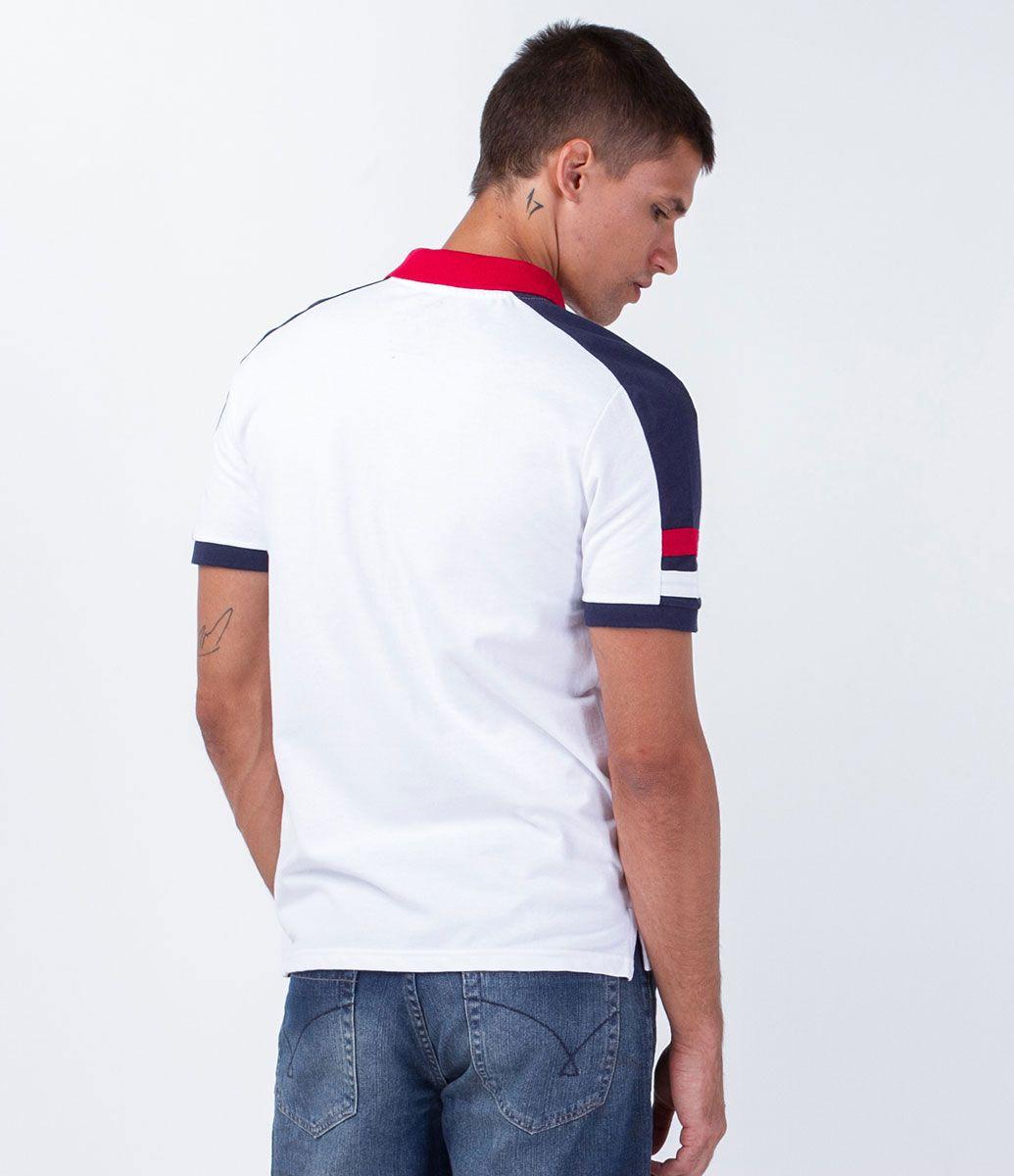 Camisa masculina Manga curta Gola polo Com recortes nos ombros Com bordado  Marca: Marfinno Tecido