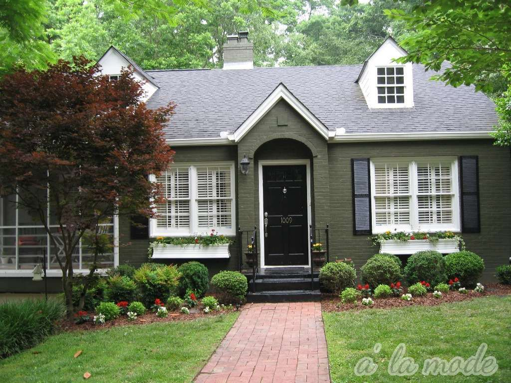 Red brick and forest green trim to army green brick to black trim house exterior pinterest Exterior paint with red brick