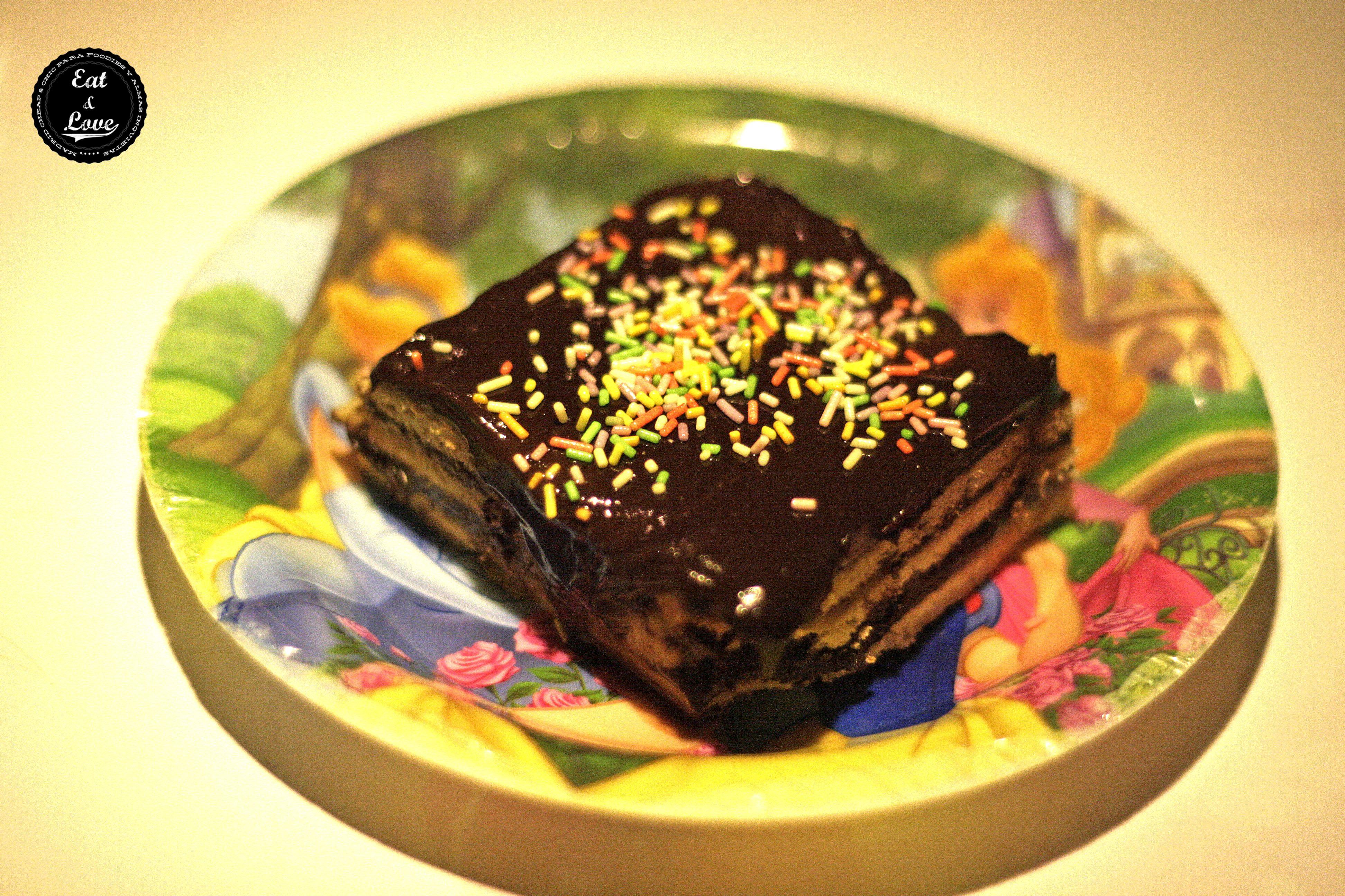 Tarta de chocolate y galleta en La Gabinoteca restaurante tapas Madrid