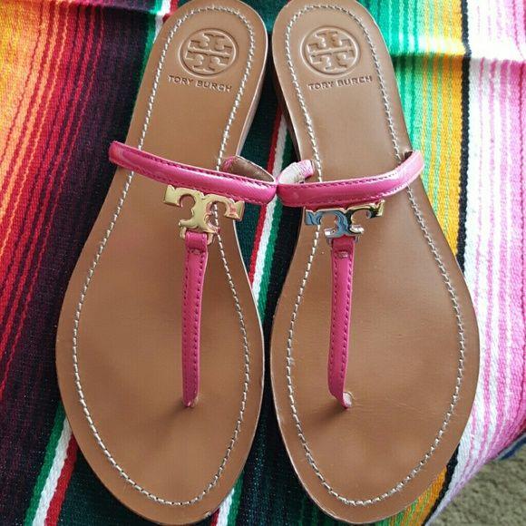 d070b6bd468a0b Tory burch t logo flat thong sandals sz 9.5 SSAGE 100% Authentic Tory Burch  T
