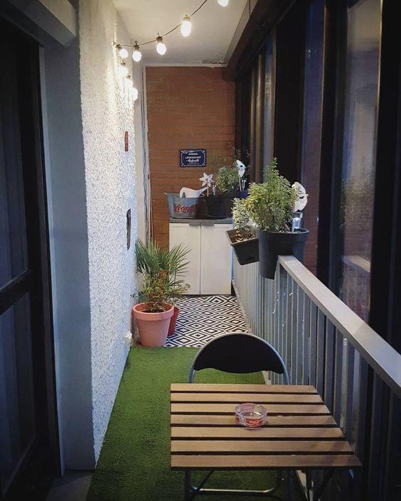 Relooker une terrasse ou un balcon en béton | Décoration balcon, Deco balcon, Jardinière en bois