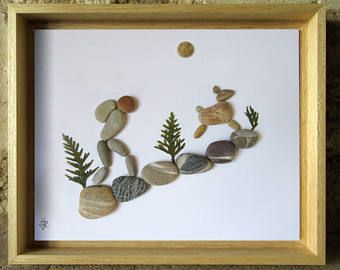 art et galets randonneur avec son chien cadeau original pour les amoureux de la nature. Black Bedroom Furniture Sets. Home Design Ideas