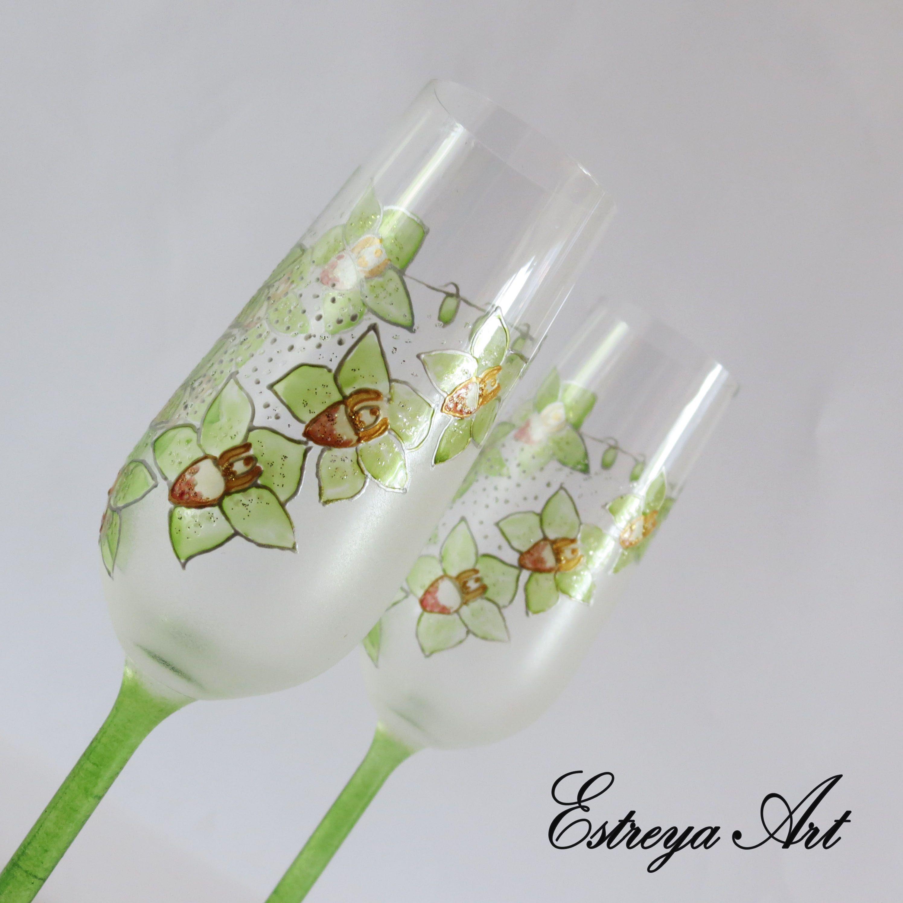 Wedding toasting flutes, champagne glasses, green wedding, green ...