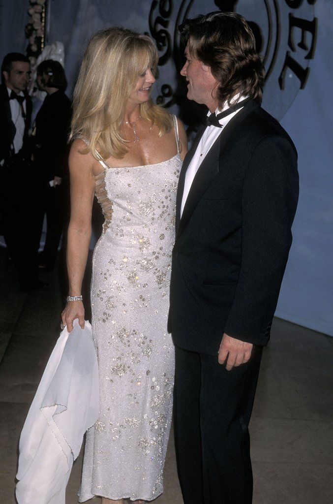 Bask In The Glory That Is Goldie Hawn And Kurt Russell S Relationship Evolution Goldie Hawn Goldie Hawn Kurt Russell Celebrity Couples