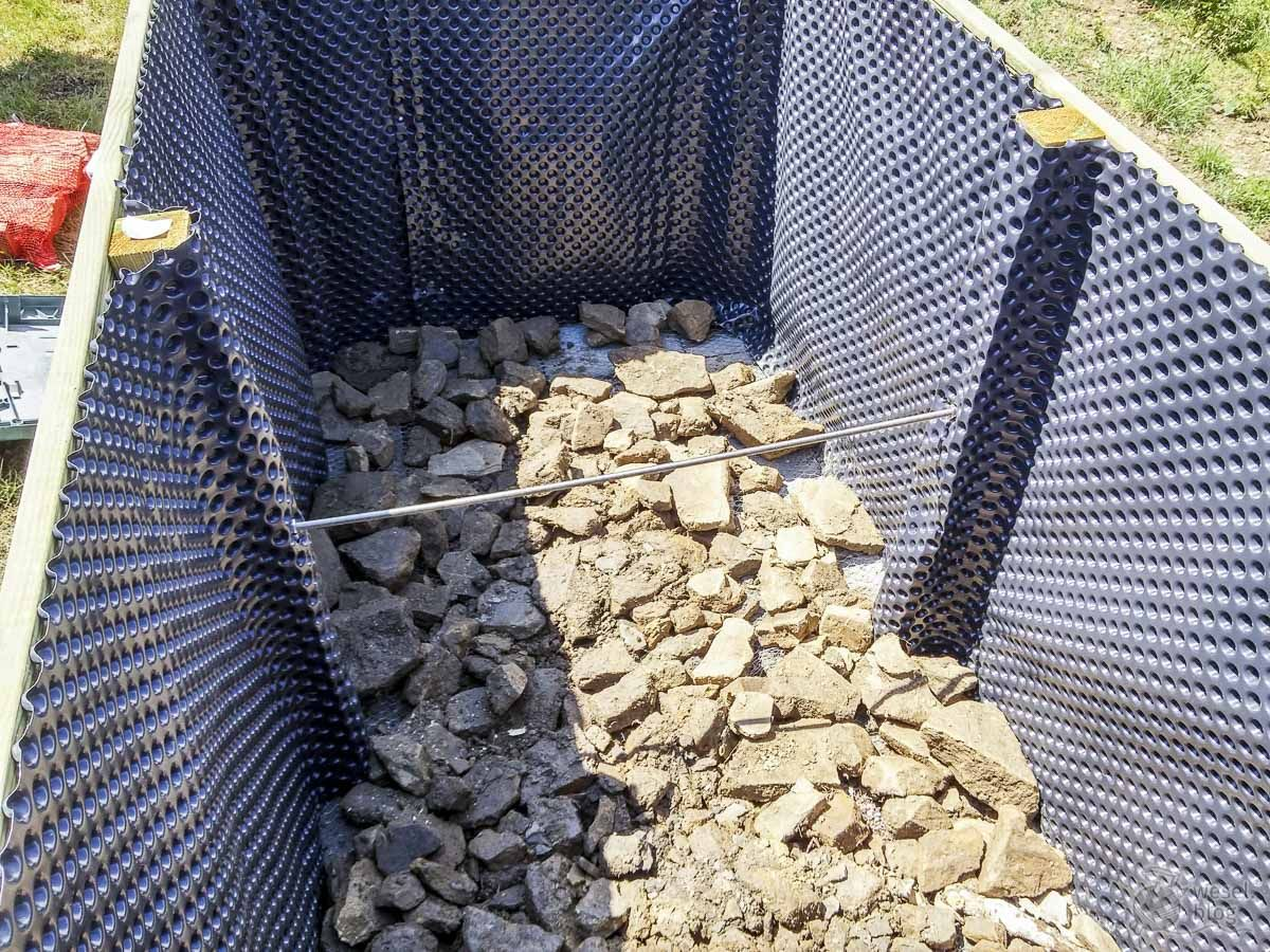 Perfekte Hochbeetfüllung in 6 Schichten - auch für Gartenneulinge - wesel.blog | DIY - Handlettering - Plotten
