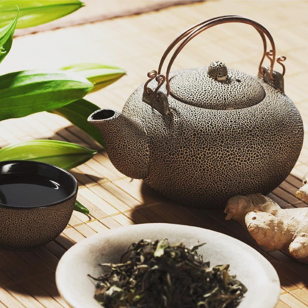 Kickstart the day with a #natural #morningboost: #greentea for #antioxidants and fresh #ginger for stimulating #digestion supporting peripheral circulation and boosting #immunesystem = #ancientwisdom and #modernnutrition @ausmindbodybalance. #ausmindbodybalance #chinesemedicine #bellarinepeninsula #oceangrove #barwonheads. by ausmindbodybalance http://ift.tt/1JO3Y6G