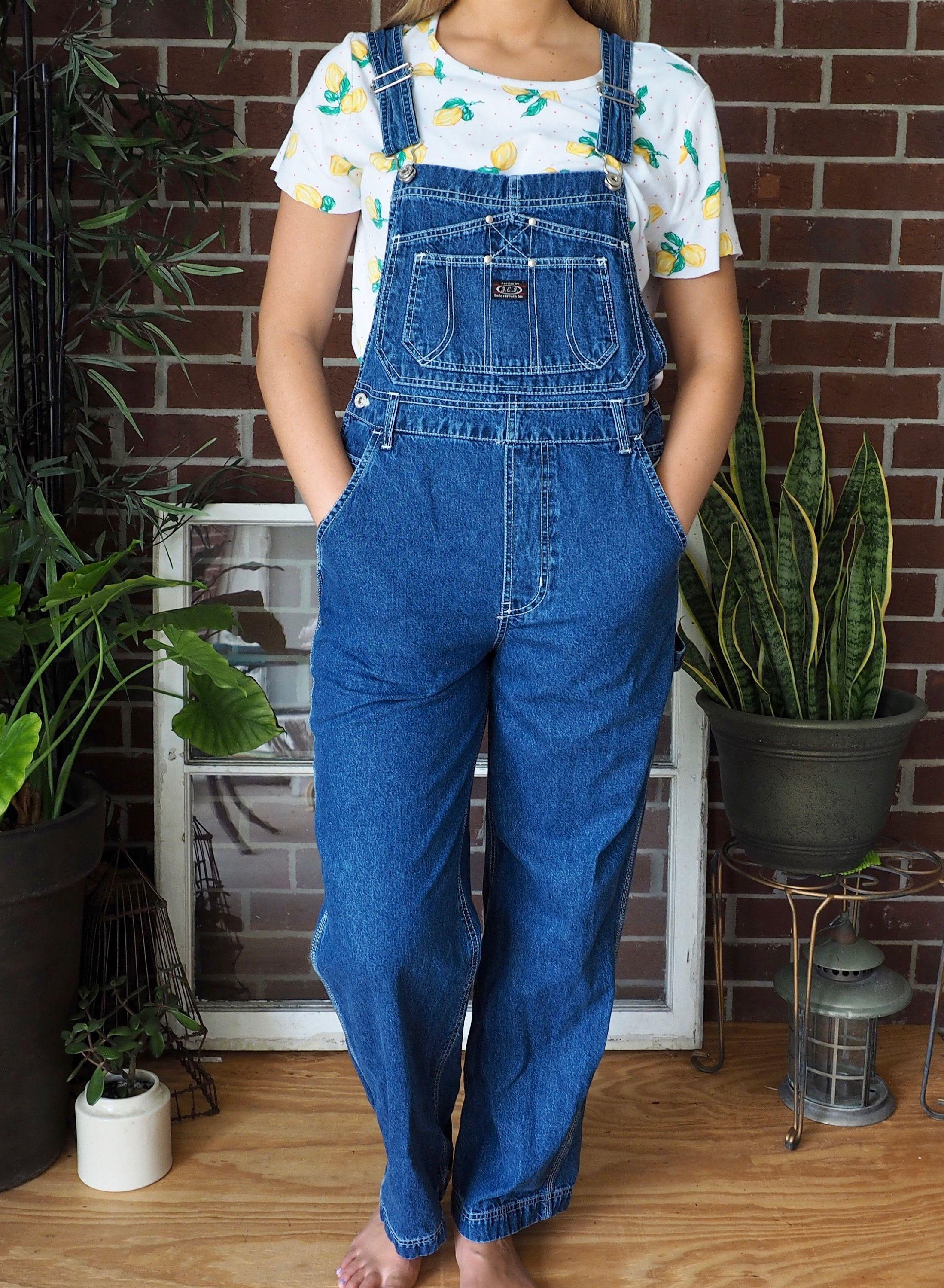55ae2d00 90s Denim Overalls 🌷 #90sstyle #90soveralls #90sgrunge #vintageoveralls  #vintagejeans #streetwear