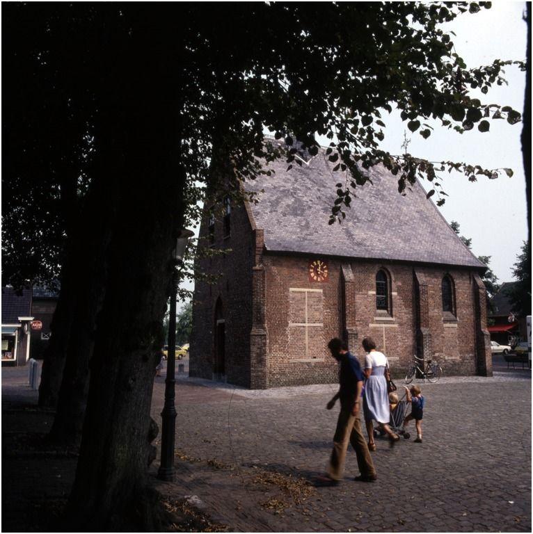 Rijksmonument kapel Onze Lieve Vrouwe der Kempen, Markt 1 - Foto: Bijvank, G.J. - 1975