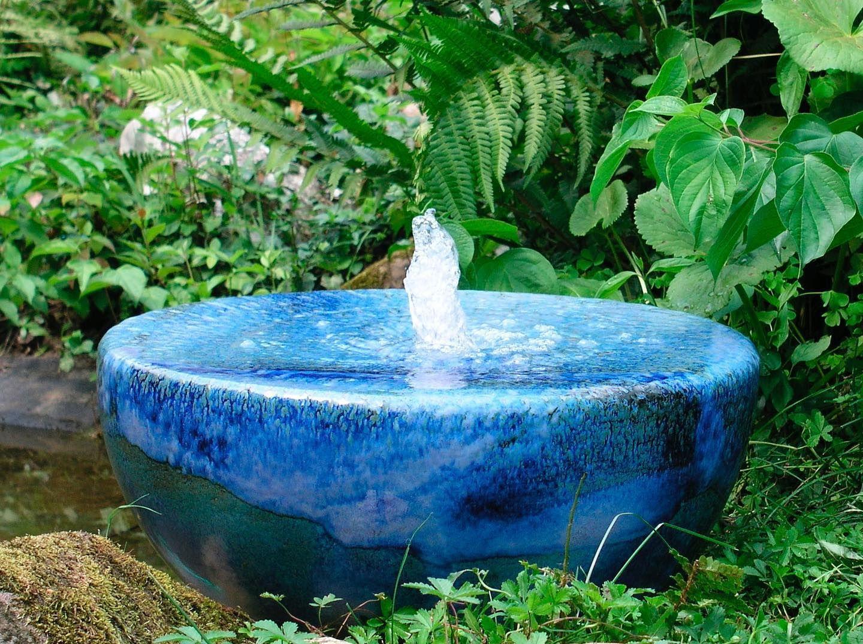Pin Von Sieglinde Auf Garden In 2020 Quellstein Garten Brunnen Garten