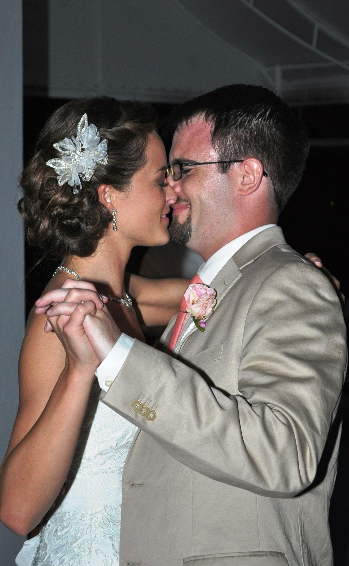Destination wedding hair! PS I know her! @Jillian Elizabeth