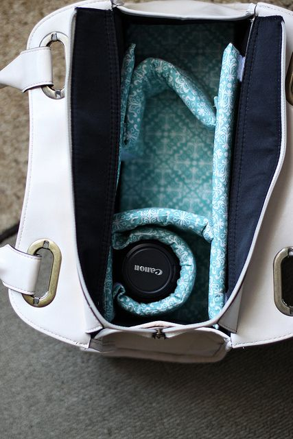 Turn Your purse into a Camera Bag with this simple DIY! ...oh I so need this...@Pat Foley-have you seen this??