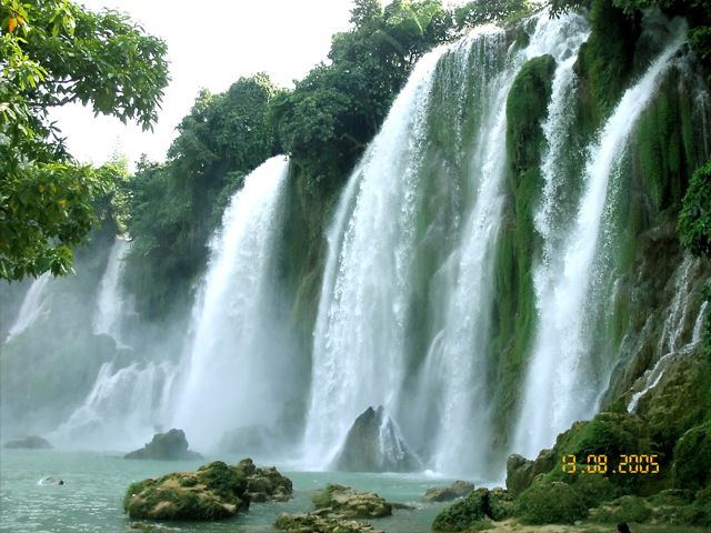 Fst Travel is a Vietnam Travel Company, travel agency based in Hanoi offering hotel bookings, Vietnam package tours, day activities