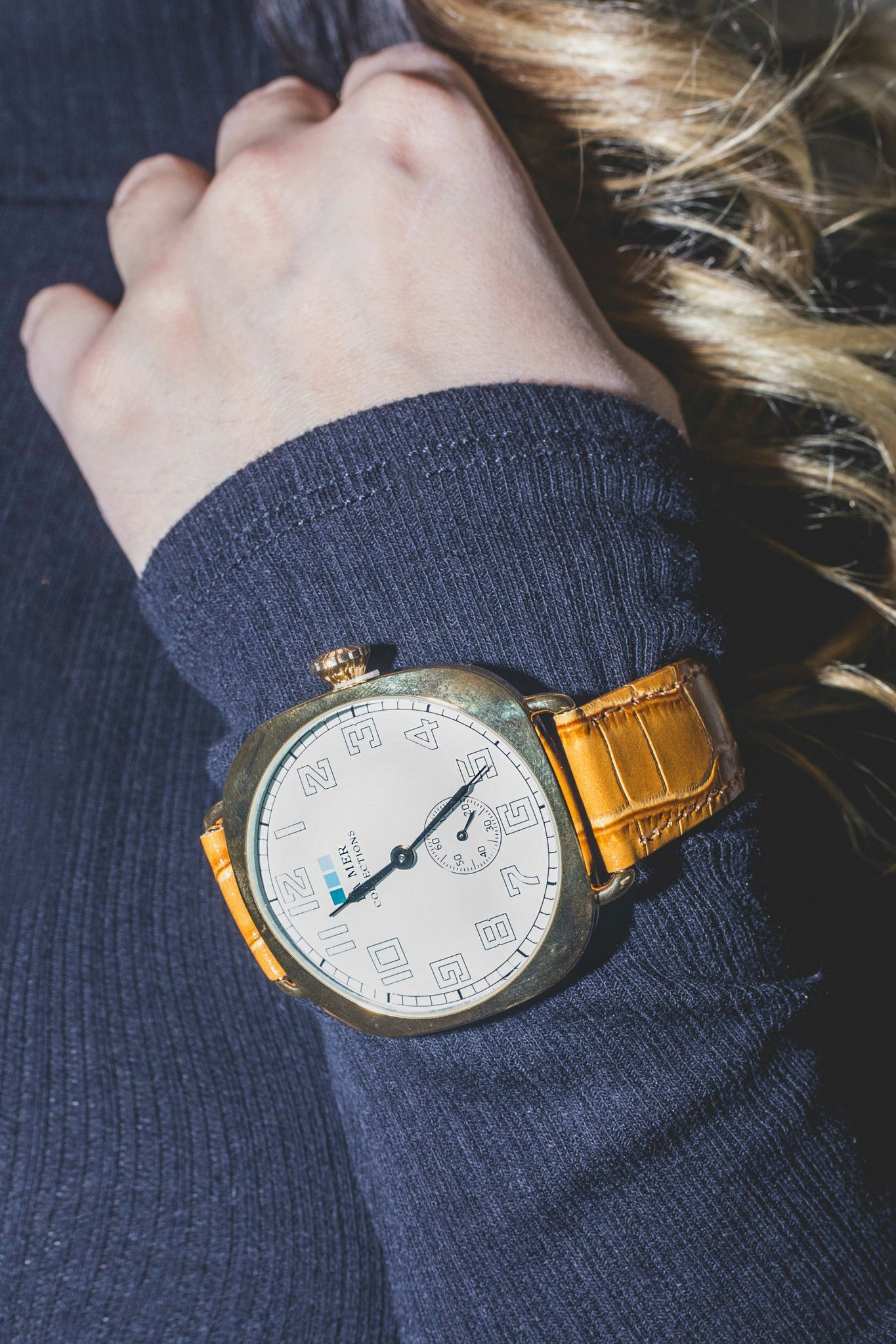 Tan- Gold Vintage Oversize Watch