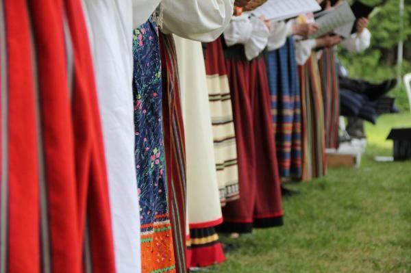 Beautiful Estonian folk costumes.