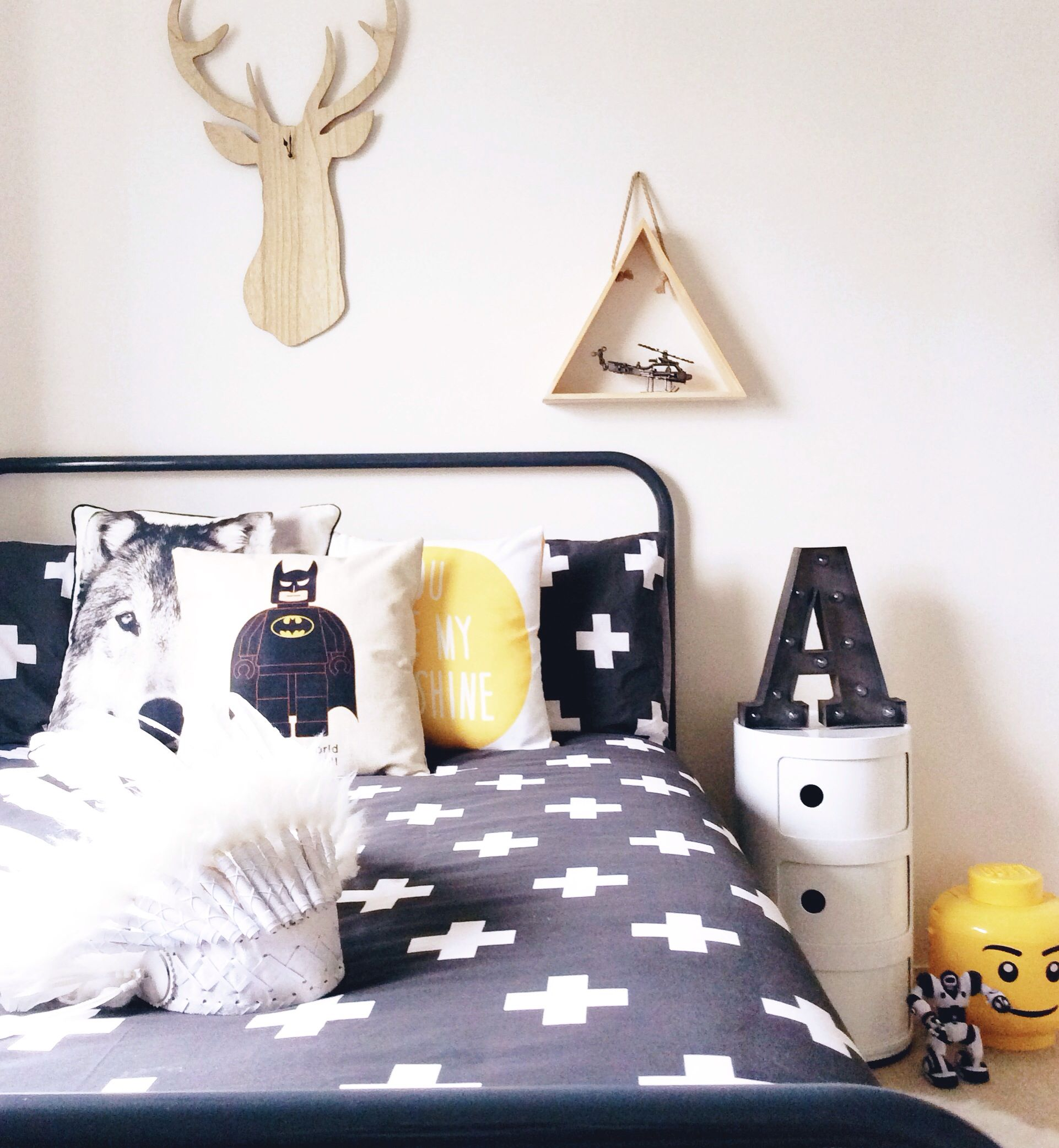 Black and white. Kids bedroom. Boys bedroom. Deer. Wolf. Lego ...