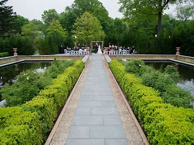 Celebrate At Snug Harbor Staten Island Weddings Nyc Wedding Venues Here Comes The Guide