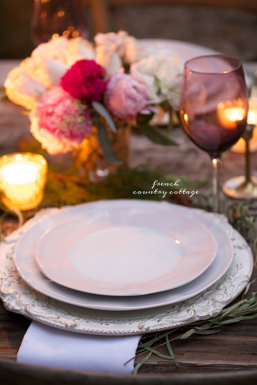 A romantic holiday party table setting | Outdoor living, Romantic ...