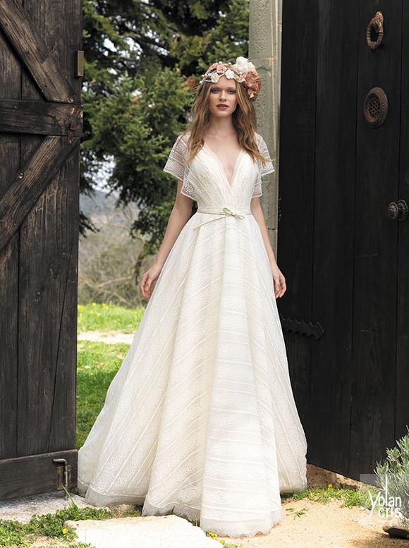 vestido de novia sencillo y elegante de la colección boho chic de