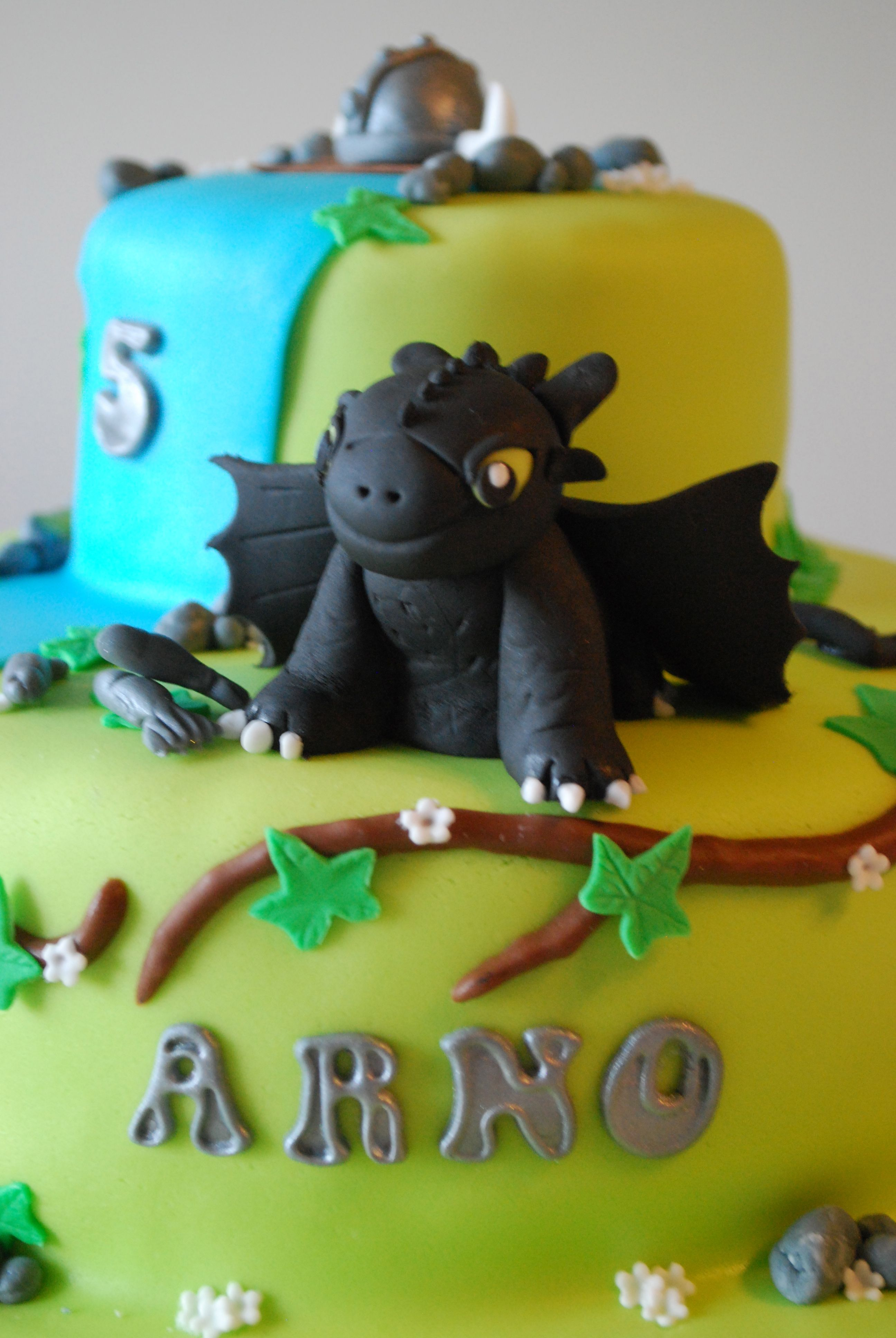 Toothless, how to train a dragon!