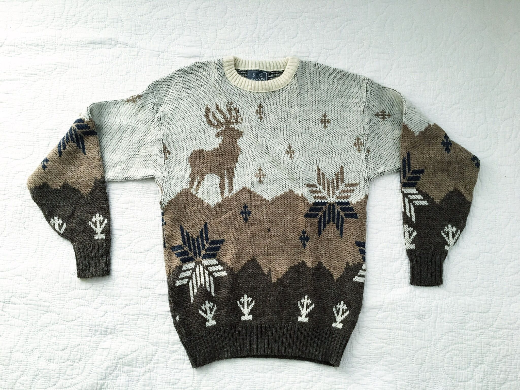 Vintage Le Tigre Mens Crewneck Sweater Winter Christmas Reindeer ...