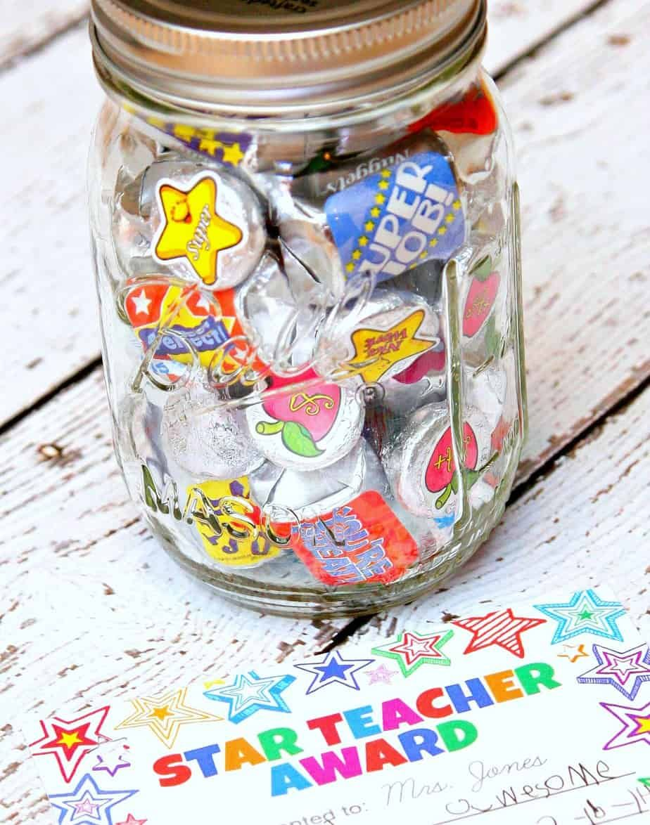 Teacher gift in a jar with printable in landing board