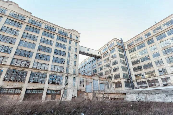 Bush Terminal Industrial Complex In Sunset Park Brooklyn New York Abandoned Places Abandoned Buildings Abandoned