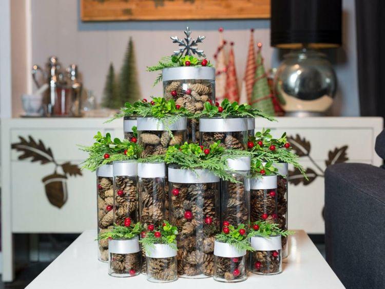weihnachten eine kleine wohnung einrichten tannenbaum modern vasen