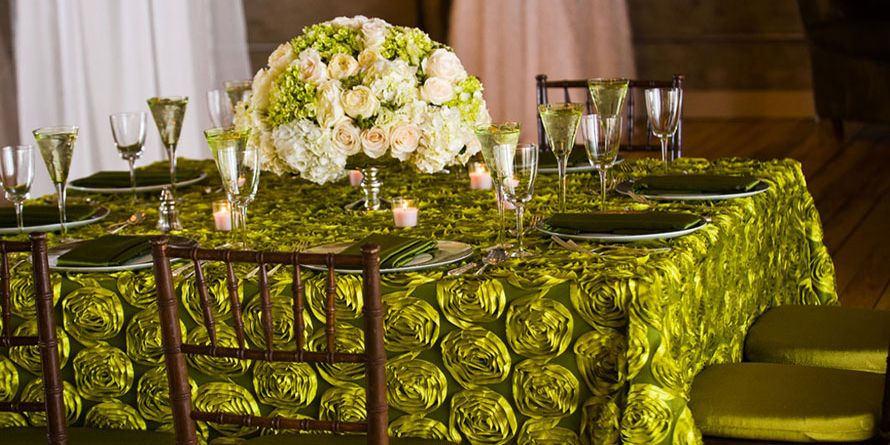 Love this Tablescape for a Princess and the Frog themed wedding ...