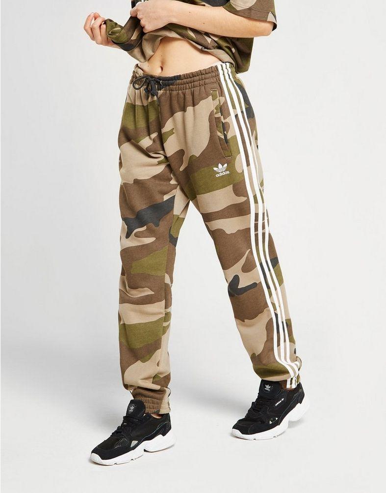 Adidas Hose mit Camouflage streifen? (Mädchen, Mode)