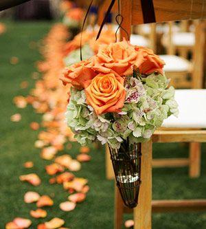 Venue And Ceremony Wedding Flowers Casamento No Outono Corredor De Casamento Casamentos Coloridos