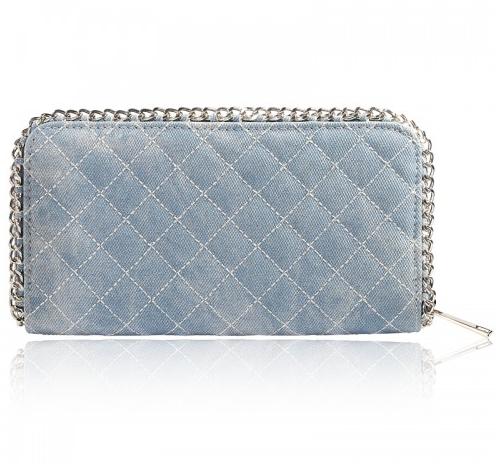 Luxe portemonnee, met ritssluiting en voorzien van handige vakjes Afgewerkt sierlijke zilverkleurige kettingrand. http://www.blingdings.nl/portemonnee-jeans