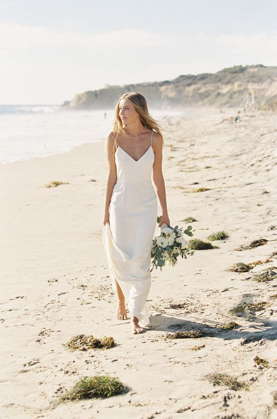 Simple And Elegant Wedding Gown For A Beach Wedding Simple Wedding Dress Beach Island Wedding Dresses Wedding Dress Inspiration