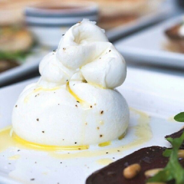 Cheese lovers! The Mozz Queen is back at PizzaExpress!