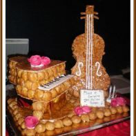 gateau mariage piece montee musique instrument guitare piano choux pastry heart in 2019. Black Bedroom Furniture Sets. Home Design Ideas
