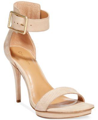 1ef997c317ba Calvin Klein Women s Vable Sandals