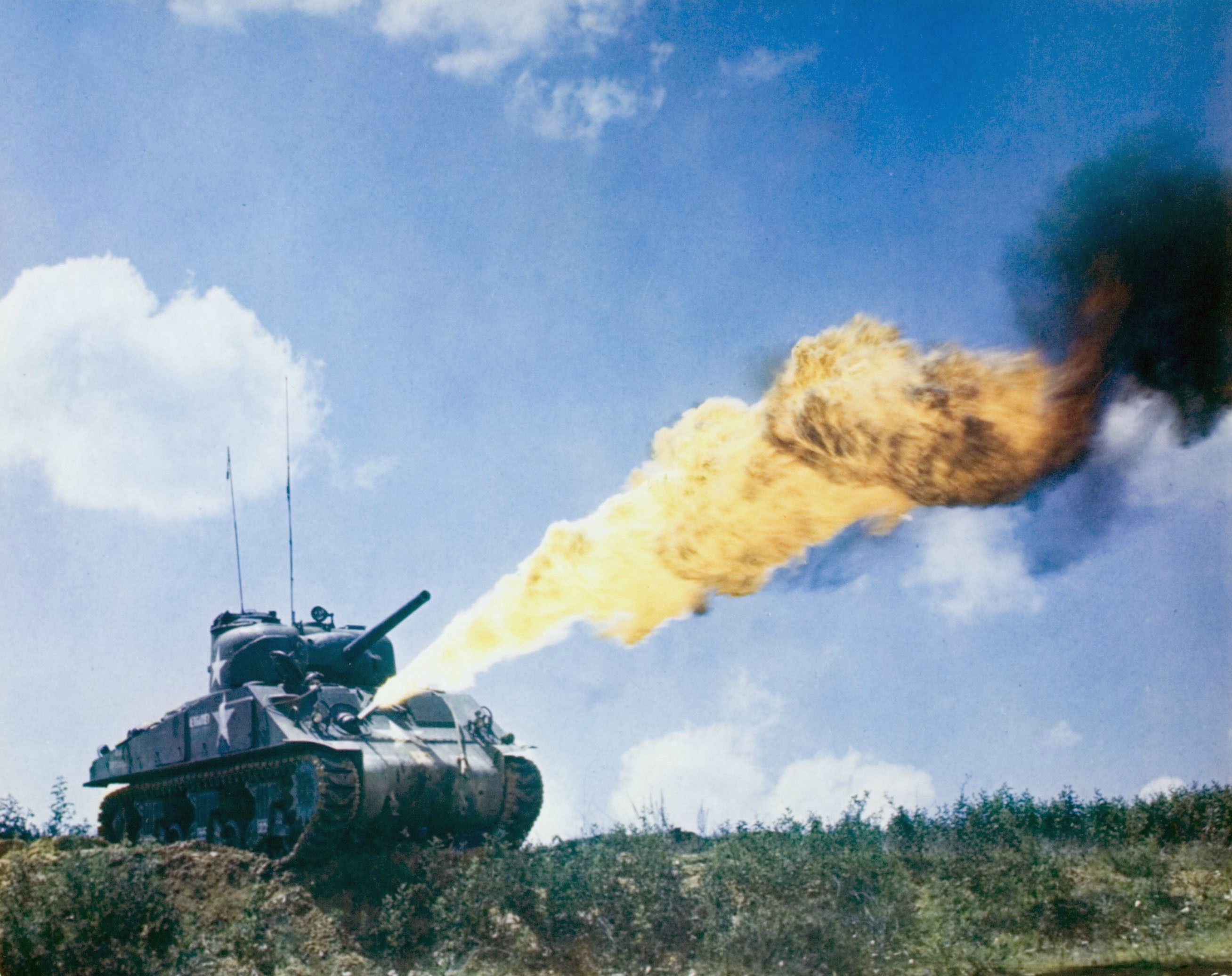sherman flame thrower wwii tanks pinterest ww2 ww2