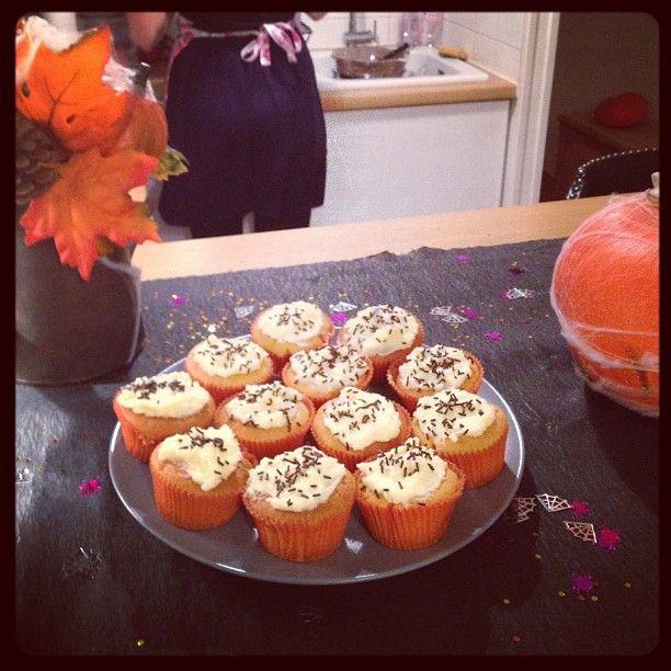 #halloween #cupcakes - @albertineinparis- #webstagram