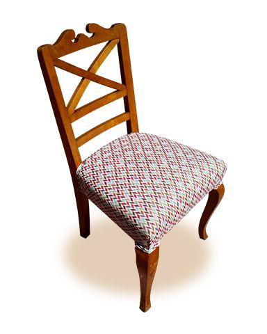Silla de comedor, tapizada con gobelino de geometrías