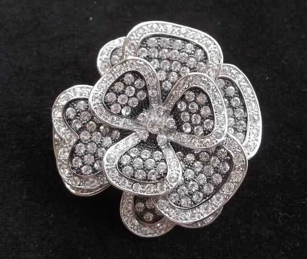 """Fabulous NOLAN MILLER signed vintage brooch Haute Couture HUGE pave ice rhinestone flower. This stunning estate brooch is 2"""" across and 2 1/4"""" long. This awesome brooch is in excellent vintage condition."""