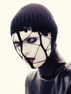 thedoppelganger: Black FascinationMagazine: Vogue Italia November 2012Photographer: Paolo RoversiModel: Malgosia Bela