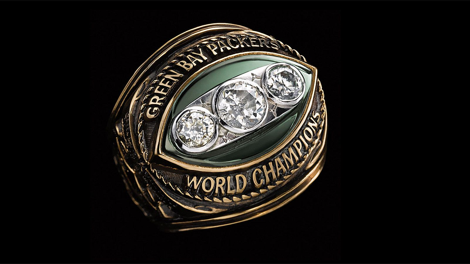 Super Bowl Rings Check Out The Championship Bling From Every Winner Super Bowl Rings Green Bay Packers Green Bay