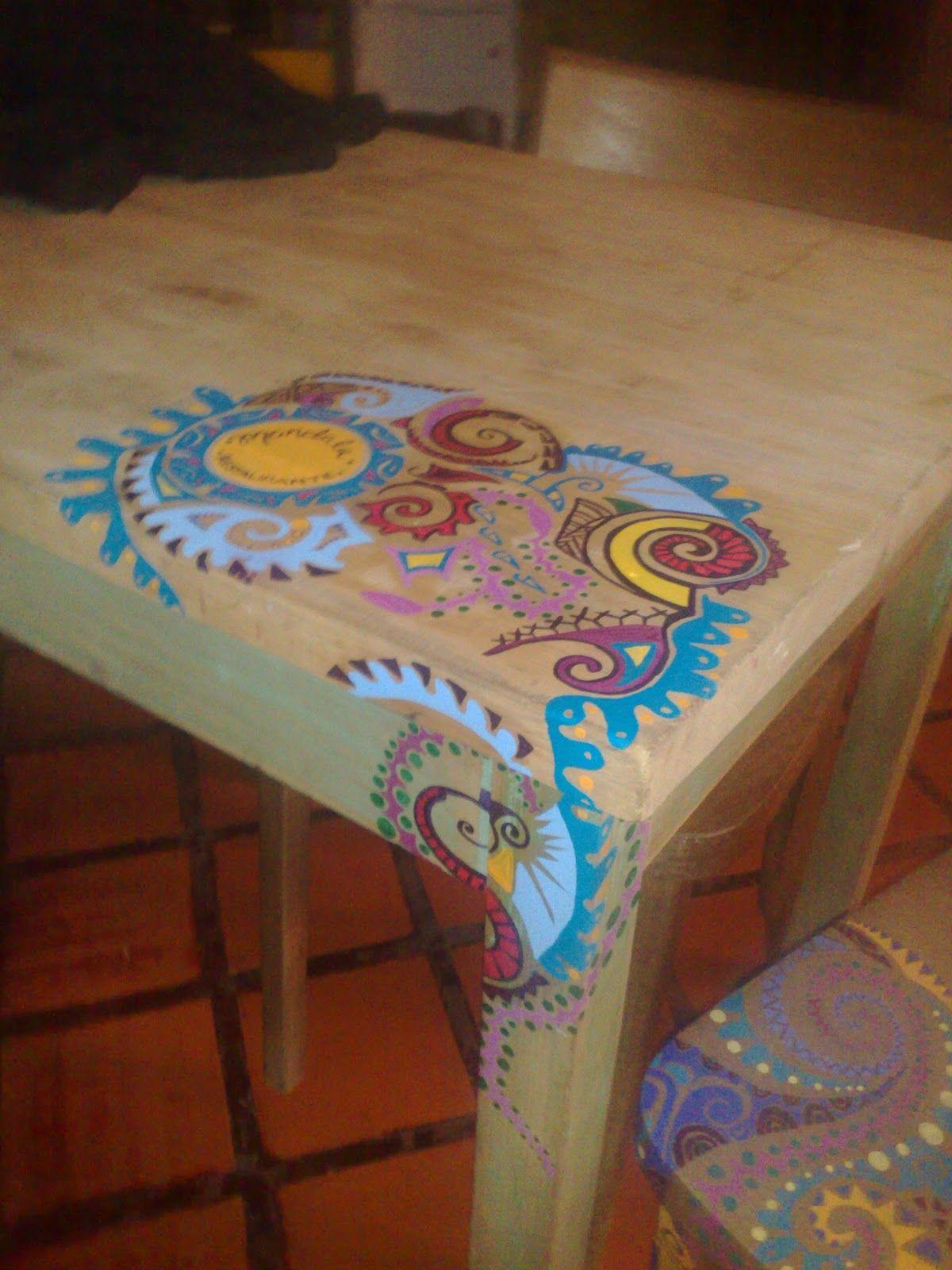 Mesa pintada a mano vintouch interviniendo muebles en - Muebles de madera pintados a mano ...