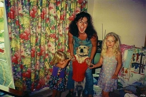 Iggy Azalea As A Kid With Her Momma And Her Sister So Freaking Cute Iggy Azalea Iggy Favorite Celebrities