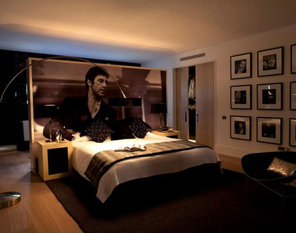 Omg 3 3 3 give me that giant picture bedroom scarface exterior design jeuxipadfo Images
