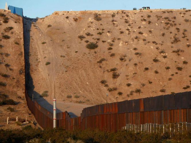 Tunden demócratas a Trump por amenaza sobre muro