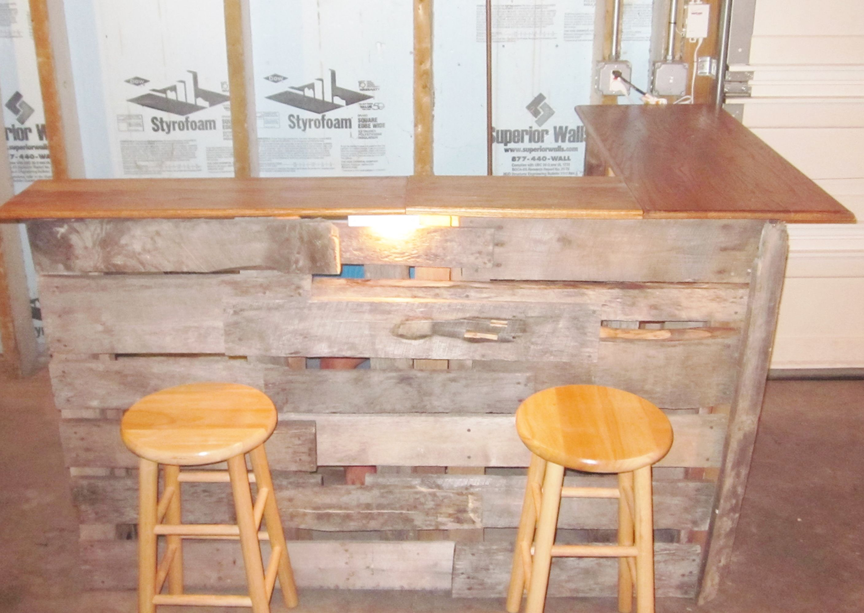 DIY Bar Made Out Of Skids And Old Wood Pieces For