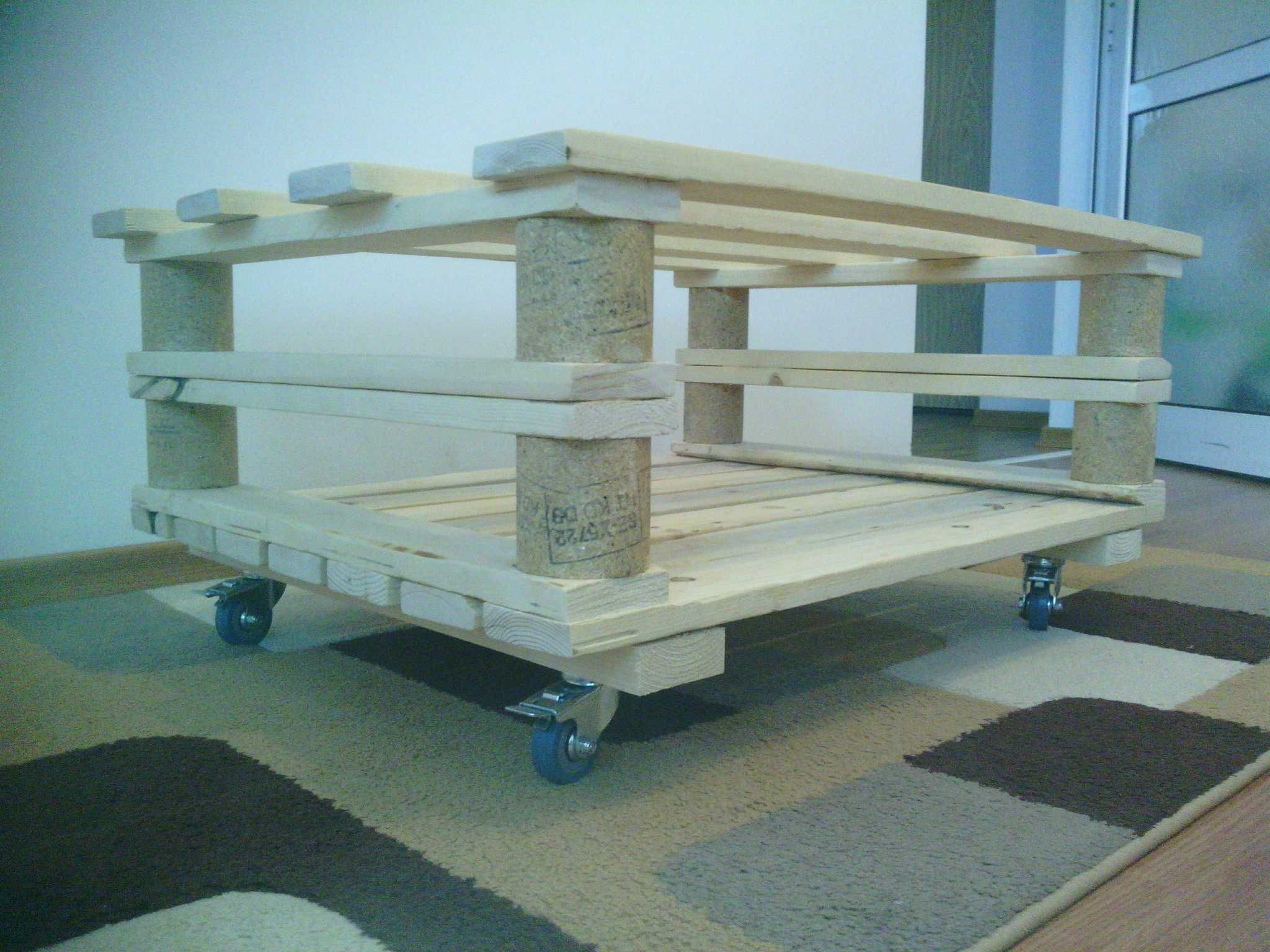 Mobili Pallet ~ Mobile pallet coffee table pallet coffee tables pallets and coffee